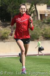 Joana Staub - Deutsche U 20 Meisterin über 1500 Meter beim Training im Stadion - 170415-Staub-Joana-04 b