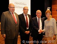 Gratulation zum 60. Geburtstag (v.r.) Ministerpräsidentin Annegret Kramp Karrenbauer, Franz Josef Berg, Stefan Schmitt und Peter Altmaier 3834