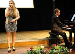 Christine Berg Trug zwei Songs vor, begleitet von Thomas Bernardy 3872