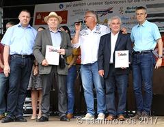 Tierparkfest - Heiner Pfeifer (2ter v.l.) und Manfred Klein (2ter v.r.) wurden zu Ehrenmitgliedern ernannt