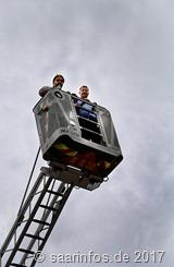 Tierparkfest - Wolfgang Fritz und Torsten Nixdorf betrachteten sich die Welt aus der Vogelperspektive
