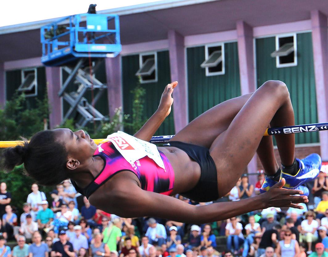 Hochsprung der Damen - spannend wie immer beim Pfingstsportfest in Rehlingen 2017