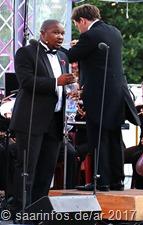 Am Stausee - die beiden glänzenden Solisten das waren der Aüdafrikaner Lukhanyo Moyake...