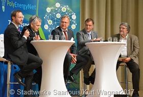 Eine der vielen informativen Gesprächsrunden: Dr. Florian Volk (TU Darmstadt), Dr. Ralf Levacher (Stadtwerke SLS), Dr. Georg Flätgen