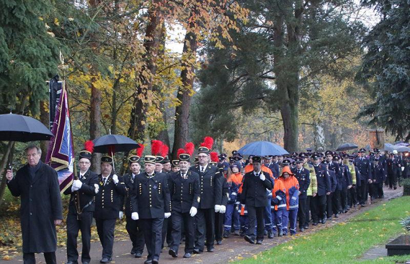 Beerdigung OB Roland Henz Friedhof Saarlouis Fraulautern. Foto: Thomas Seeber