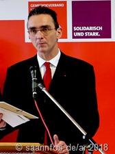 Der SPD Fraktionsvorsitzende Im Gemeinderat von Rehlingen-Siersburg hieß die Besucher willkommen, blickte auf 2017 zurück und gab einen Ausblick auf 2018