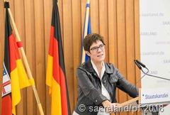 """Ministerpräsidentin Annegret Karrenbauer hob beim dritten """"Runden Tisch Frankreich"""" die Bedeutung der Frankreichstrategie hervor"""