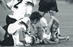 Torjubel beim Finale der Fußball WM in Rom am 08-07.1990