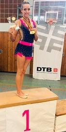 3_Nathalie Puhl_Siegerin K10_Deutschland-Cup_hoch b
