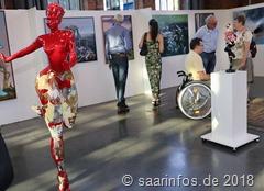 Die Ausstellung zeigt die Werke von über 30 vorwiegend französischsprachigen Künstlern