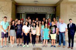 Junge Menschen auf einem multikulturellen Trip