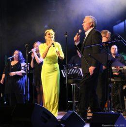 Julia Neigel und Stefan Gwildis rockten die Dillinger Stadthalle