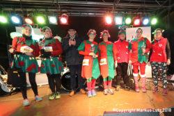 Die Siegerehrung beim Santalauf in Dillingen 2018 (Foto: Markus Lutz)