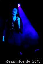 "Florence Mottier sang ""Je suis malade"""