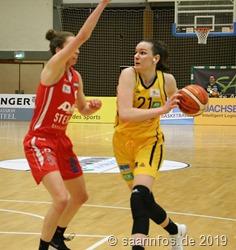 Nani Ilmberger war mit 12 Punkten zweitbeste Saarlouiser Korbschützin