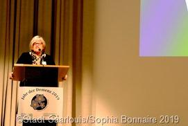 Dagmar Heib, die Vorsitzende des Demenz Vereins Saarlouis begrüßte die Teilnehmer an der Frühjahrstagung