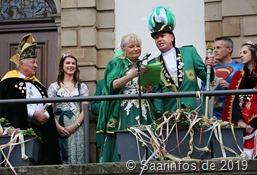 Prinzessin Ute II. und Bernd I. (Brotdorf) bei ihrer Antrittsrede