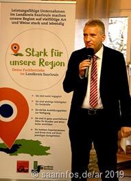 Landrat Patrik Lauer hob in seinem Grußwort Talent,Fleiß, Disziplin und Leidenschaft der Landesbesten hervor