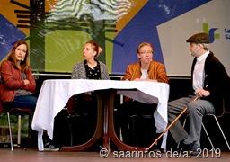 Die Jugendgruppe des Theatervereins Hülzweiler spielt einen Sketch