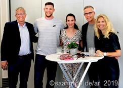 Beim Empfang der Sportler im Haus Scheidberg Anja Fröhlich,Thomas Klein, Ann Kathrin Klein, Andreas Hofmann und Werner Klein (vlnr)