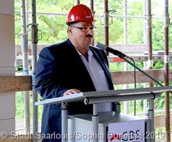 Knut Kempeni, der Geschäftsführer der GBS, begrüßte die Besucher und stellte das Projekt vor