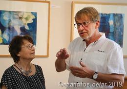 Angela Pontius (l.) im Gespräch mit Gerhard Alt