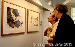 Viele Besucher zeigten Interesse an den ausgestellten Bildern