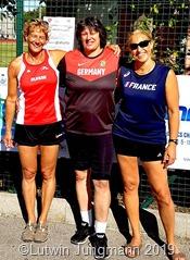 Das Foto zeigt die Medaillengewinnerinnen (v.l.) Connie Hodel, Margret Klein-Raber und Dominique Beaufour.