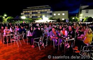 Zahlreiche Besucher folgten  dem Konzert begeistert