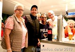 Die Besucher wurden von Karsten Otto und seinem Team bestens  mit kühlen Getränken versorgt