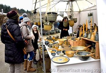 Ausgesprochen  vielfältig ist das Angebot des Schwemlinger Kunsthandwerkermarktes