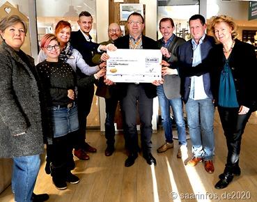 WeihnachtsTombola: Erlös von 22.220 Euro ging vier Patenhäuser