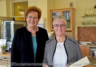Ehrenamtsnadel-Verleihung_Doris Hoffmann