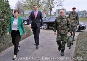 Bundesverteidigungsministerin Annegret Kramp Karrenbauer besuchte zum zweiten Mal die Bundeswehr im Saarland LKDO2455 b