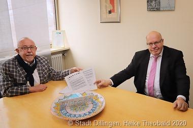 Während seines Heimatbesuchs sprach Bundeswirtschaftsminister Peter Altmaier mit Dillingens Bürgermeister Franz-Josef Berg über den aktuellen Brandbrief deutscher Stahlstädte. Foto: Stadt Dillingen/Theobald.