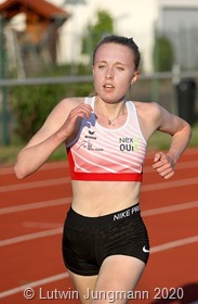 Hannah Rödel(16) verbesserte den U 18 Landesrekord über 3000 Meter auf 9:42,97 und ist damit derzeit in Deutschland unerreicht.