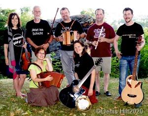 """Les Quetschekaschde"""" gibt diesmal ein Konzert auf der Vaubaninsel. Foto Denis Hilt."""