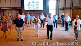 : Die Beigeordneten der Partnerstädte sowie die Bürgermeister Franz-Josef Berg (links) und Jean-Luc Wozniak (rechts) mit der langjährigen Beigeordneten Helga Maleska (Mitte) .