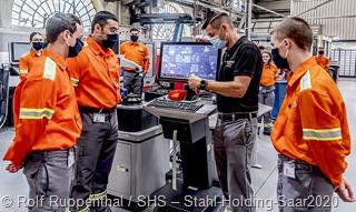 Ein besonderer Tag für die neuen Auszubildenden von Dillinger und Saarstahl: Die neuen Azubis machen sich mit den Ausbildungswerkstätten und den Unternehmen vertraut.