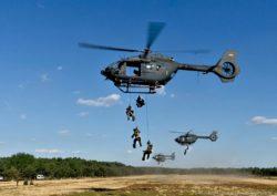 Gefechtsübung mit Hubschraubergeschwader