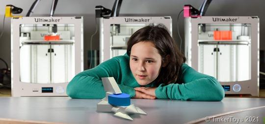 Bildangebot_Kreative Tüftler:innen können beim Konstruktionswettbewerb 3D-Drucker und Robotiksets für ihre Schule gewinnen.