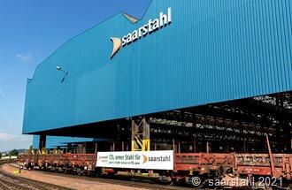 Der Zug mit dem ersten CO2-reduziertem Stahl von Saarstahl Ascoval trifft im Werk