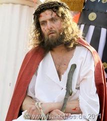 Jesus trägt die Dornenkrone  8220--